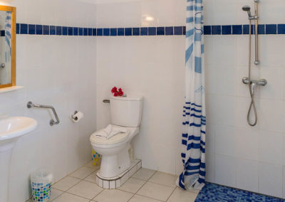 salle de bain residence les cayalines